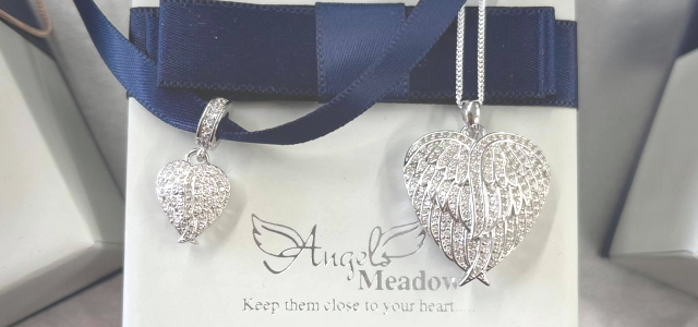 Easy to Fill Cremation Memorial Jewellery. No Need to Send Ashes Through the Post.